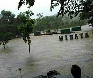 Jembatan Penghubung Putus, Warga Dusun Klayar Kedungpoh Nglipar Terisolir